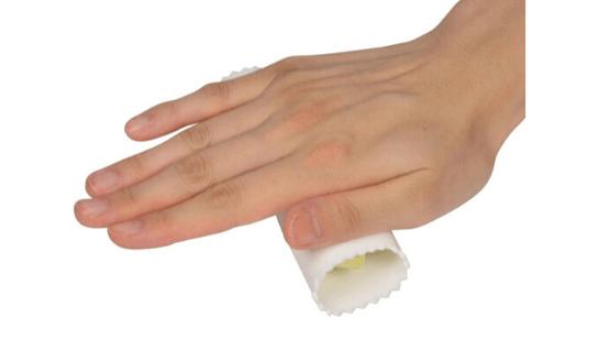 にんにく皮むき器